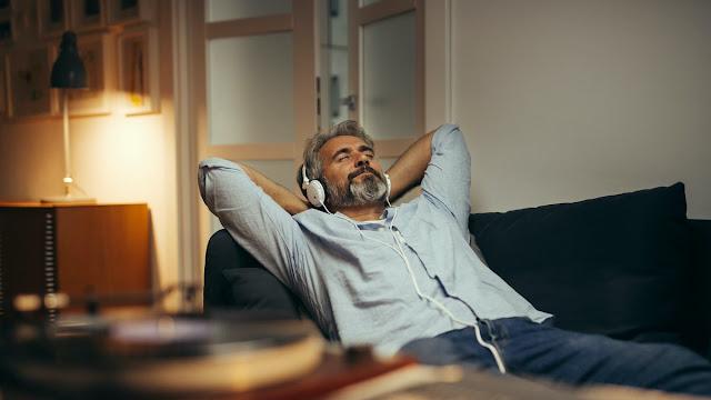 7 canciones para reducir la ansiedad, según un neurocientífico