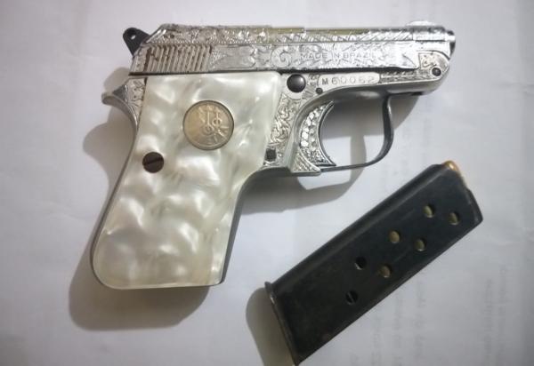 Em Inhapi, homens são presos por porte ilegal de arma de fogo, munições e   motocicleta roubada