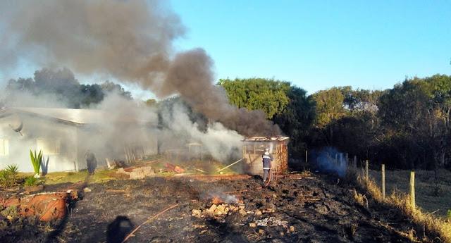 Roncador: Perto de um fim, bombeiros continuam trabalhando