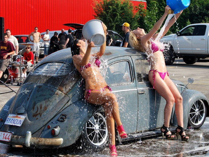 Die Rote Macht Auto Waschen