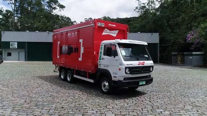 Ambev converte mais de 100 caminhões a diesel em elétricos