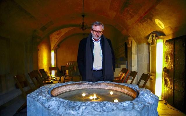 Η Eλβετία τίμησε τη μνήμη του πρώτου θανάτου από Covid-19