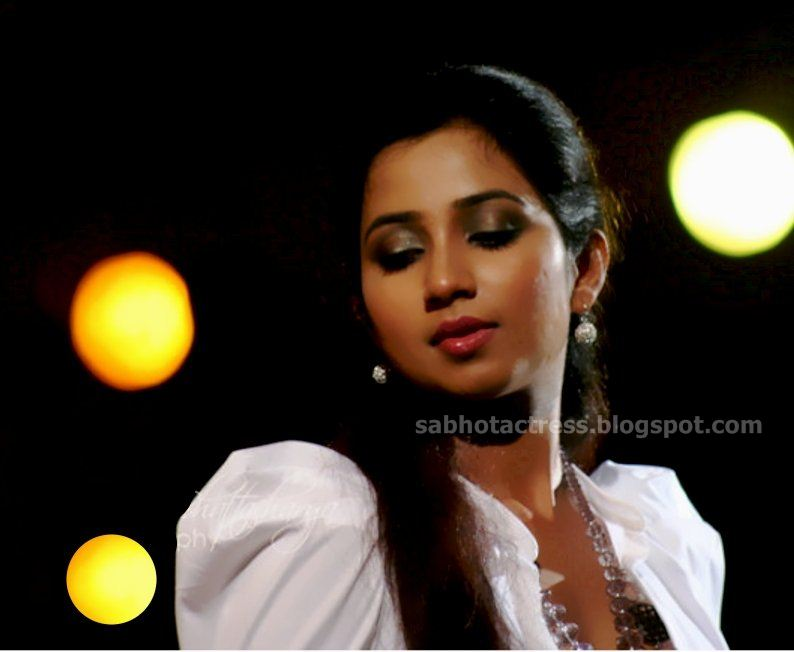 Gulfjobportal Shreya Ghoshal Hot Navel,Cleavage And Ampit Show Sexy -9548