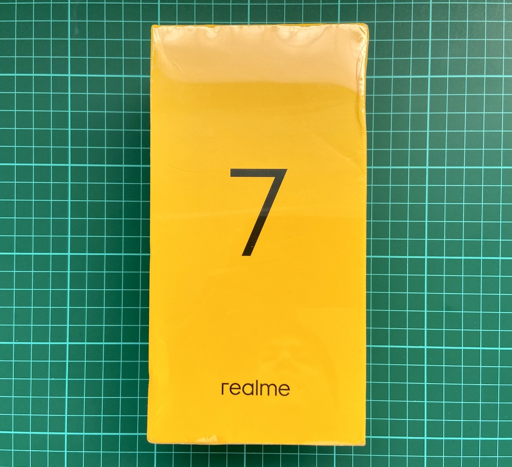 realme 7 front packaging