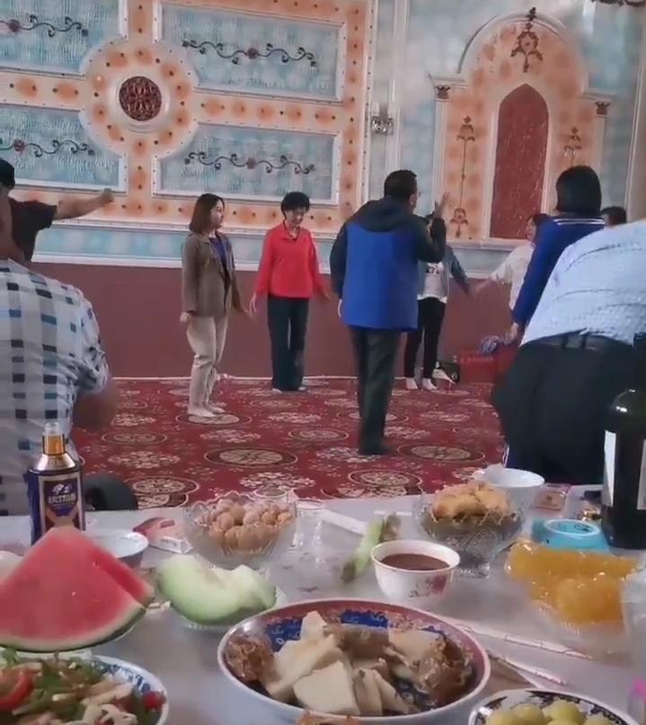 Beredar Video Orang-orang China Gunakan Masjid untuk Joget-joget