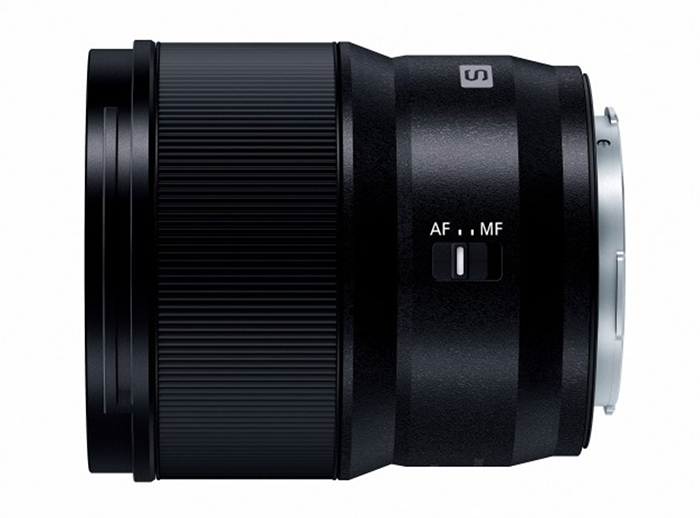 Объектив Panasonic Lumix S 24mm f/1.8, переключатель AF/MF
