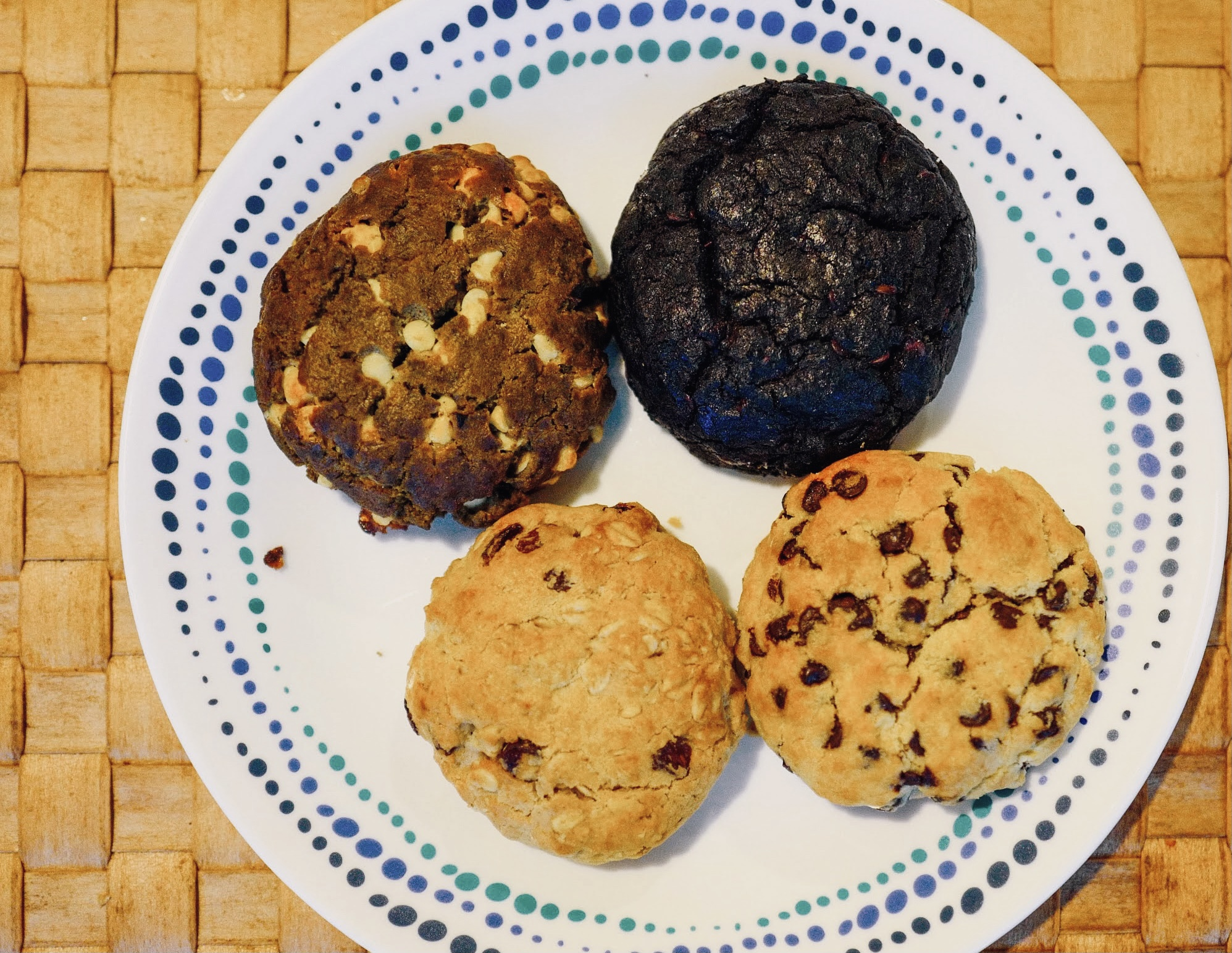 Creofe Baked Goods: Levain-style Chocolate Chip Cookies