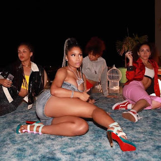Nicki Minaj's Feet and Leg Pictures