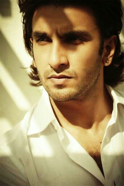 Bollywood Actors Ranveer Singh Upcoming Movies List 2019, 2020, poster trailer, Rock on 2, OK Janu on Mt Wiki. wikipedia, koimoi, imdb, facebook, twitter news, photos, poster, actress updates of Ranveer Singh