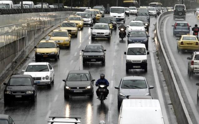 Πρόστιμο 2.500 ευρώ σε οδηγό που δεν σταμάτησε σε σήμα υπαλλήλων του ΣΔΟΕ