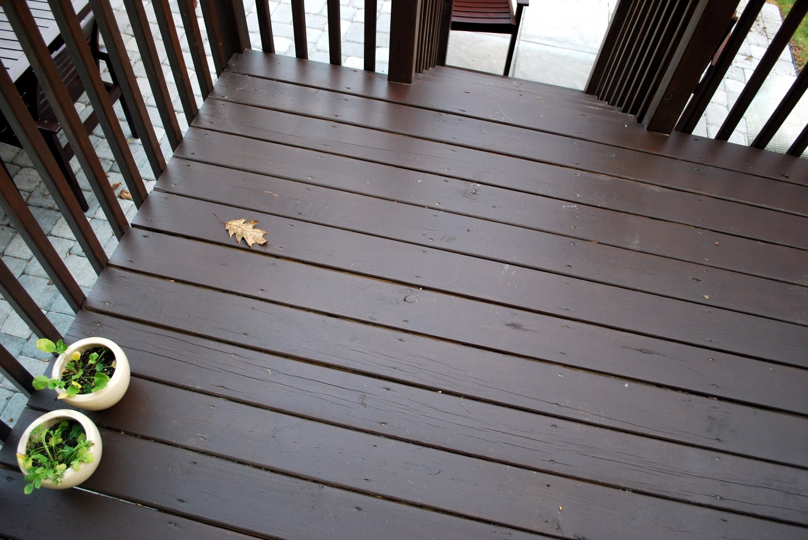 Quick Round Of Stain Deck
