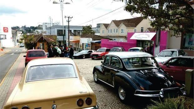 Encontro de carros antigos em Canoinhas