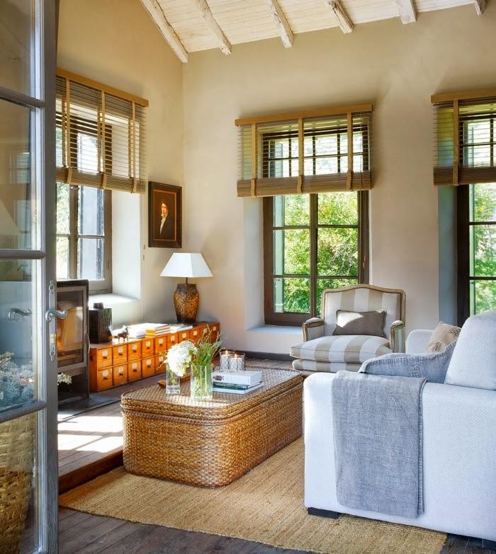 Cudowny, rustykalny dom w dawnej szkole, wystrój wnętrz, wnętrza, urządzanie domu, dekoracje wnętrz, aranżacja wnętrz, inspiracje wnętrz,interior design , dom i wnętrze, aranżacja mieszkania, modne wnętrza, stary dom, dom po remoncie, styl rustykalny, kamienne mury, vinatage, salon