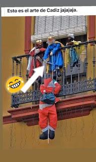Reyes Magos cortan cuerda a papá Noel para que no entre
