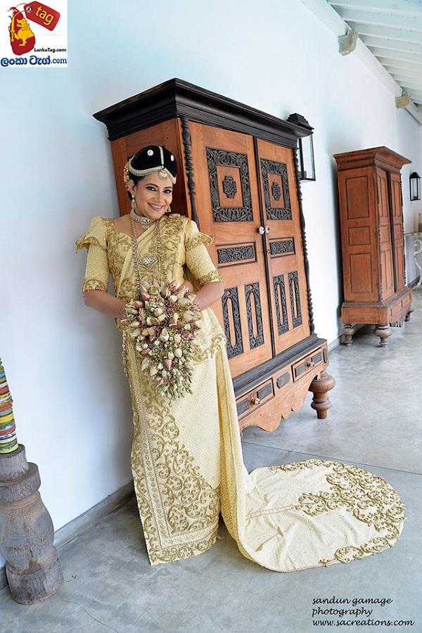 Sriyantha Mendis And Kusum Renu 30th Wedding Anniversary Photo Shoot 10