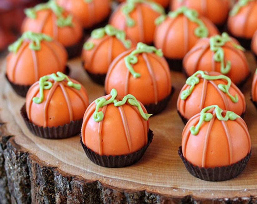 Pumpkin Bread Truffles #fall #desserts