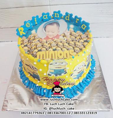 Minion Edible Image Birthday Cake