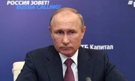 Diduga Derita Parkinson, Vladimir Putin Dikabarkan Akan Mengundurkan Diri Tahun Depan