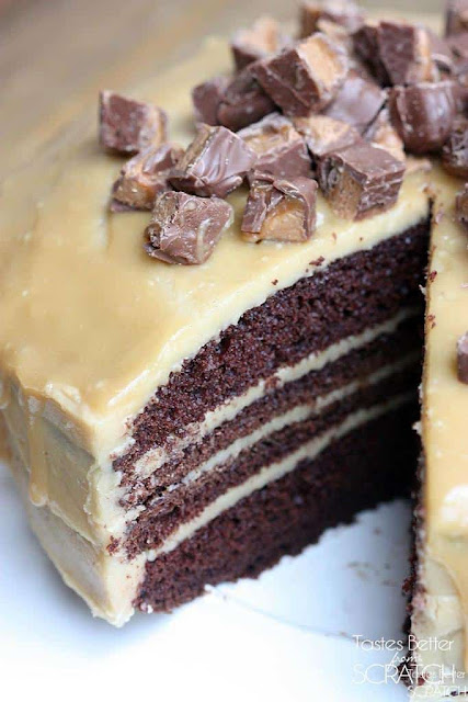 An easy recipe for chocolate cake with caramel frosting