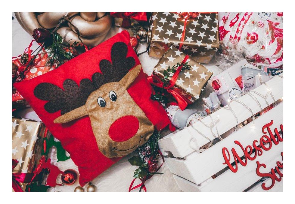 11 pomysł na świąteczny upominek dla znajomej co kupić na święta jaki pomysł na prezent dla dzieci świąteczna poduszka świąteczne dodatki do domu co kupić mamie co kupić babci pomysły inspiracje dodatki