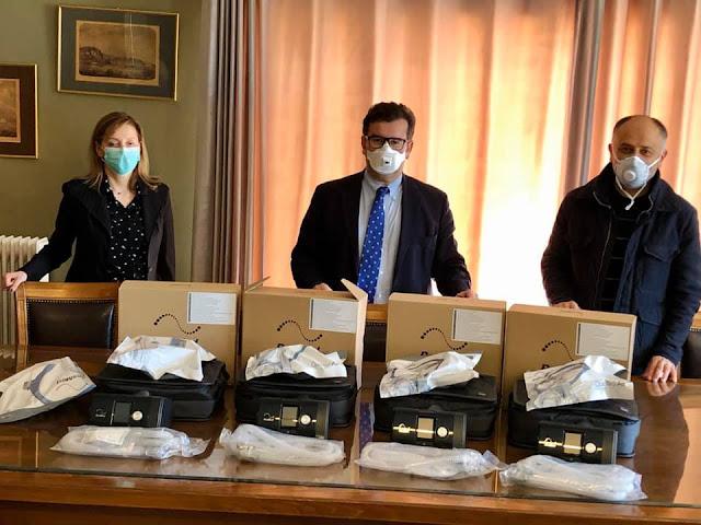 Ο Αντιπεριφερειάρχης Αργολίδας παρέδωσε αναπνευστικές συσκευές στα Νοσοκομεία Άργους και Ναυπλίου