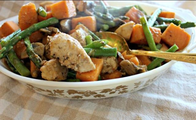 Asparagus Sweet Potato Chicken Skillet #healthy #paleo