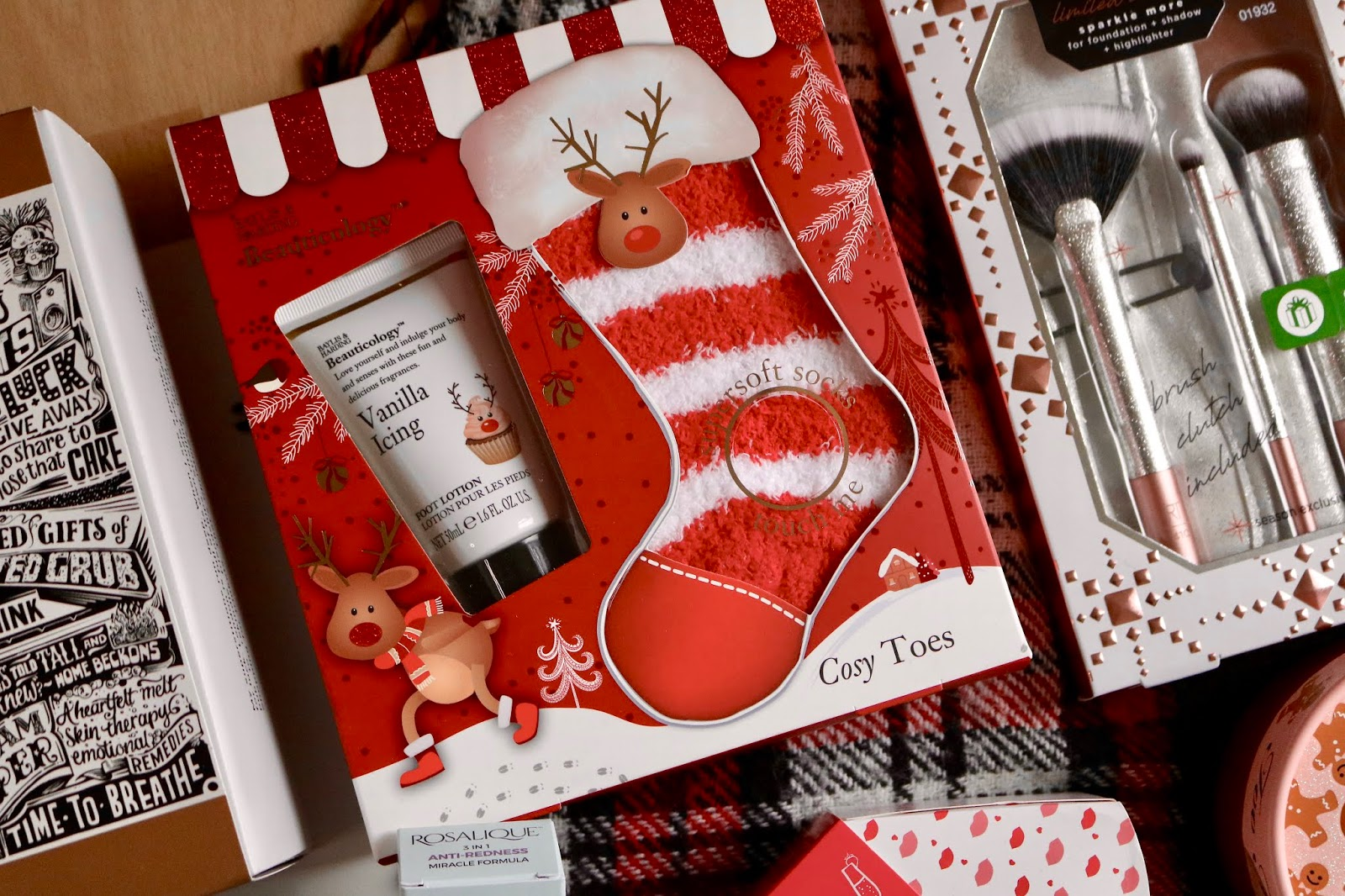 BAYLIS & HARDING BEAUTICOLOGY RUDOLPH FESTIVE TREATS FOR FEET SET