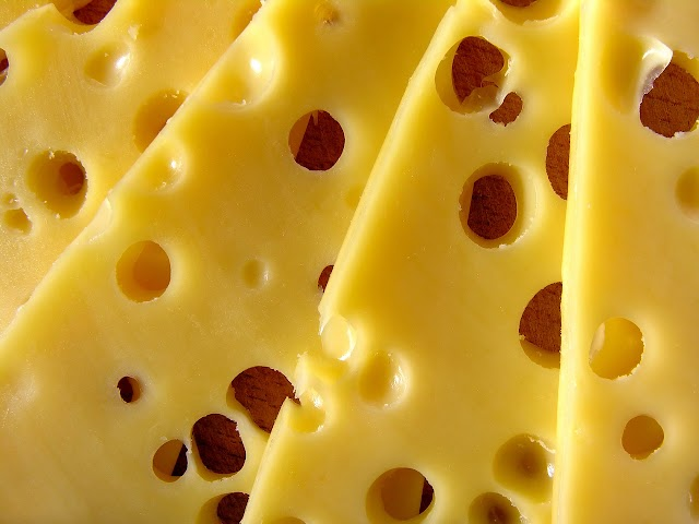 Gato por liebre: Revelan marcas que comercializan queso que no es queso