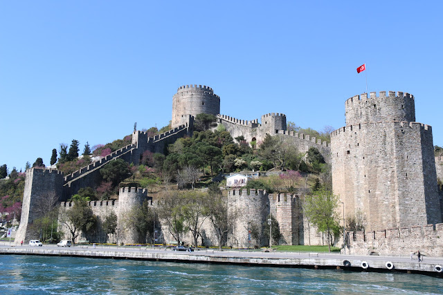 A well-maintained tower wall along Bosphorus Strait at Asian side of Istanbul during our cruise ride with Sehir Hatlari in Turkey