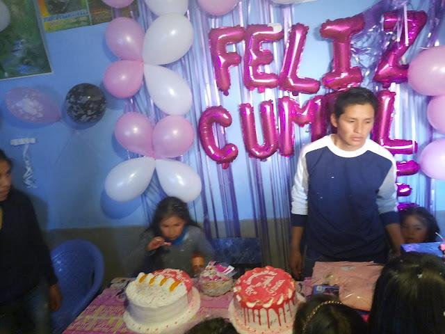 Ob alle Kuchen für das Geburtstagskind sind.