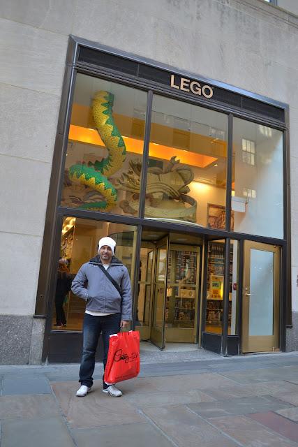 ROCKEFELLER CENTER - MARIDÃO CURTINDO A LOJA DO LEGO