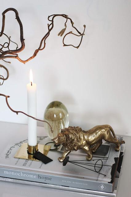 annelies design, webbutik, webbutiker, webshop, nätbutik, inredning, detaljer, mässing, guld, maneter, manet, lejon, ljusstake, ljusstakar,