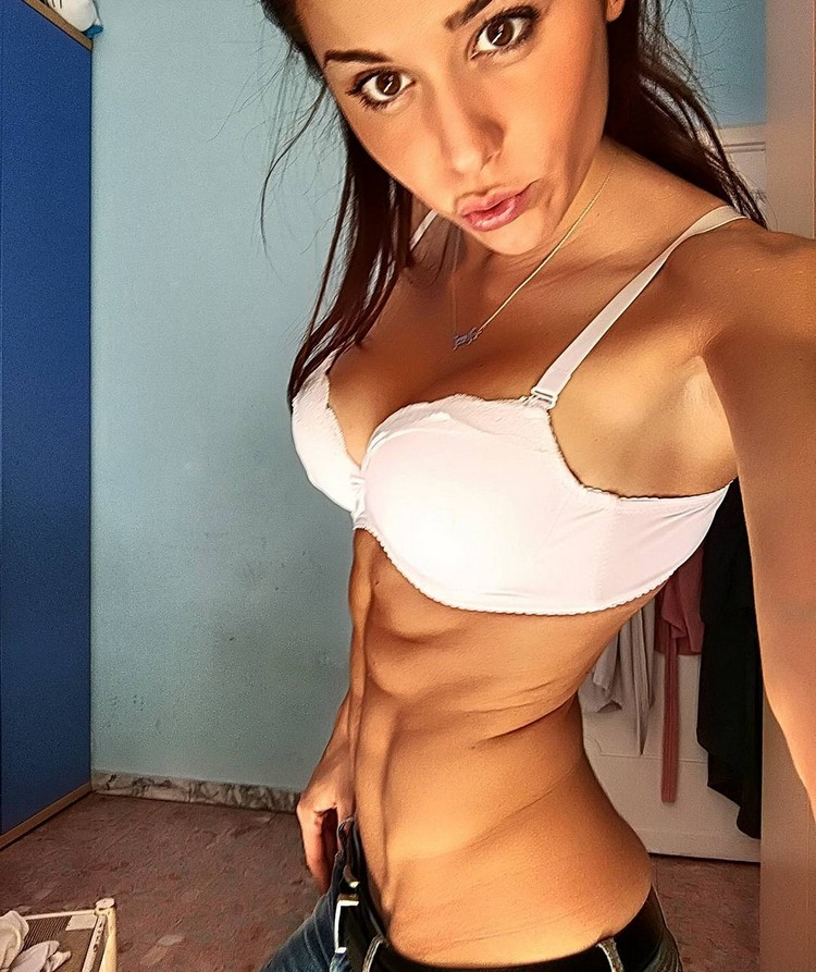 Young Italian Girl With Amazing Abs