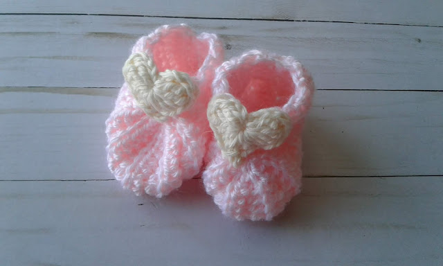 crochet baby booties with a heart