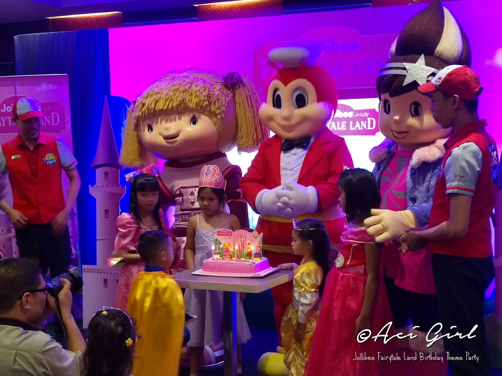 The Most Magical Jollibee Kids Party Theme is Finally Here! | Aci Girl
