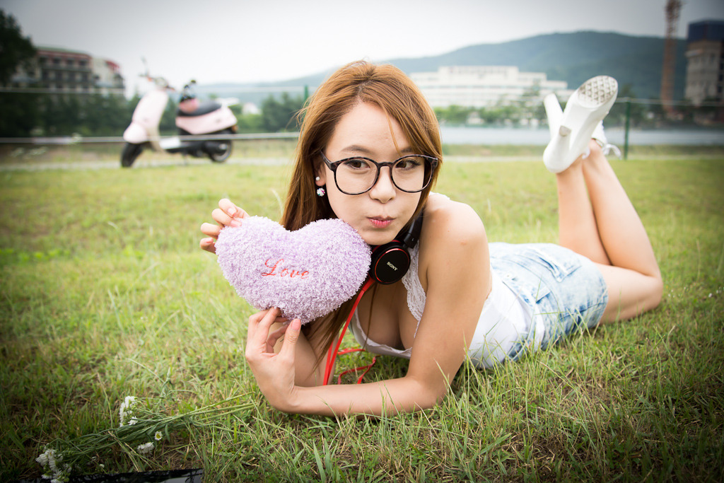 xxx nude girls: Im Min Young - Casual Outdoor