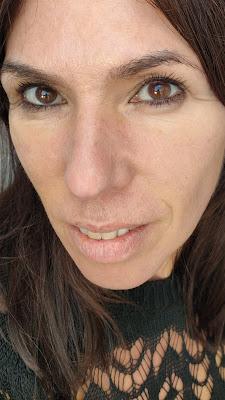 Intensive Skin Serum Foundation de Bobby Brown 11