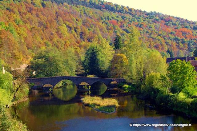 La Sioule au pont médiéval de Menat