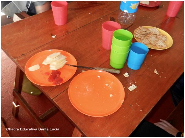 Degustación del queso - Chacra Educativa Santa Lucía