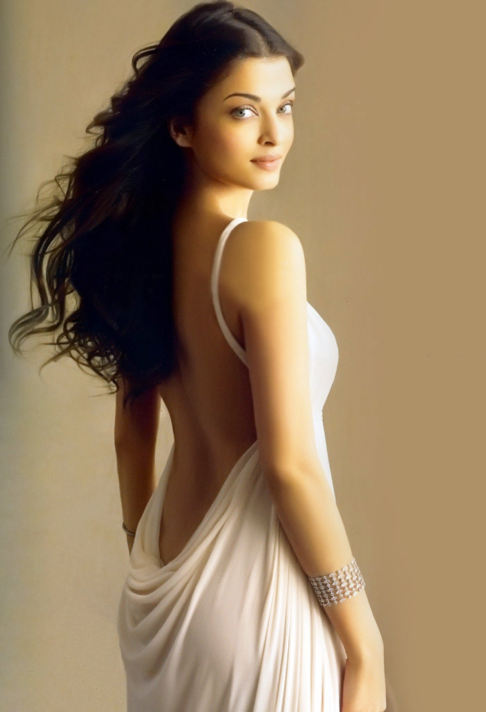 aishwarya rai backless very sexy and steamy