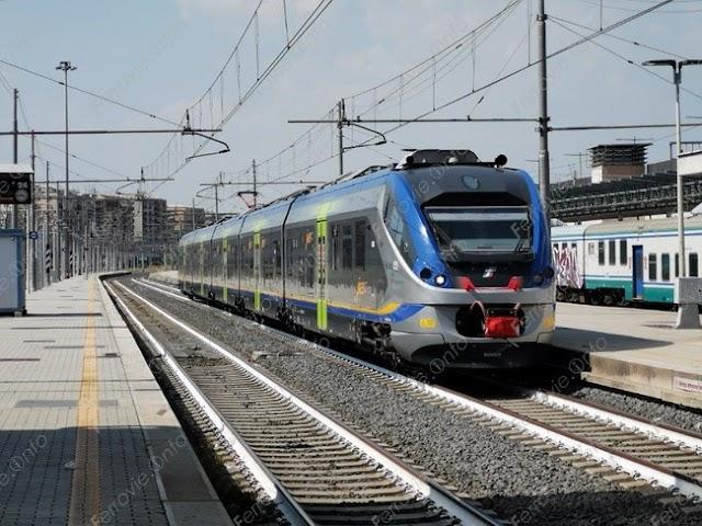 Ferrovie: Giù dal cavalcavia di Roma Tiburtina, traffico nel caos
