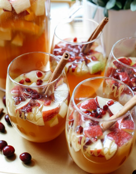 FALL HARVEST SANGRIA #sangria #drink #healthyrecipes #cocktail #party