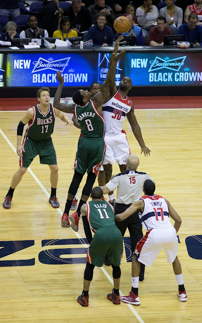 By Keith Allison - Flickr: Larry Sanders, Emeka Okafor, CC BY-SA 2.0, https://commons.wikimedia.org/w/index.php?curid=25111909