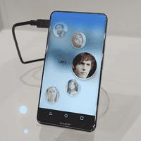 """Perusahaan Sharp Memamerkan Smartphone Android Tanpa Layar Pembatas """" Corner R """""""