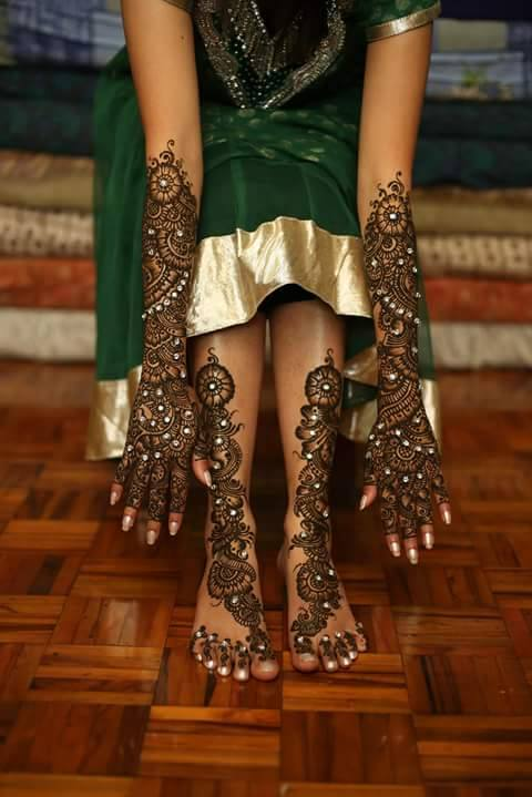 Bridal Mehandi Designs for Hands and Legs 3