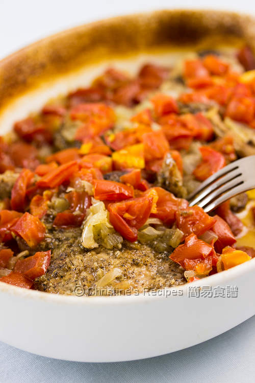 Spicy Baked Spicy Pork Loin Chops with Tomatoes01