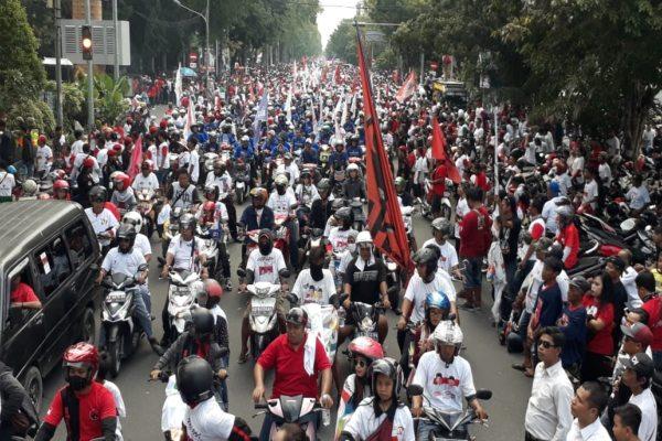 Kirab Kampanye Jokowi Belum Mulai, Jl. Slamet Riyadi Solo Sudah Jadi Lautan Manusia