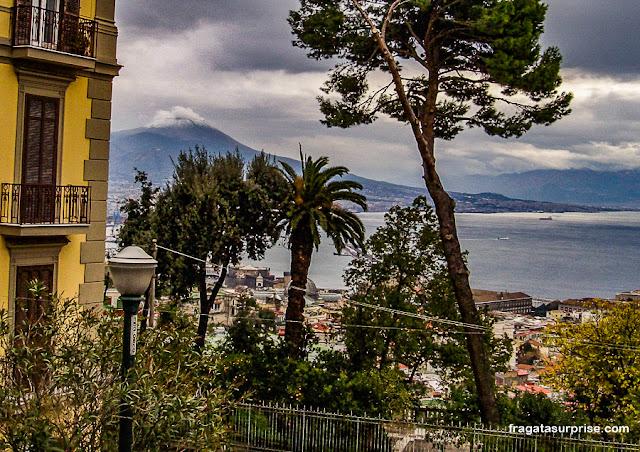 O Vesúvio visto do Vomero, em Nápoles, Itália