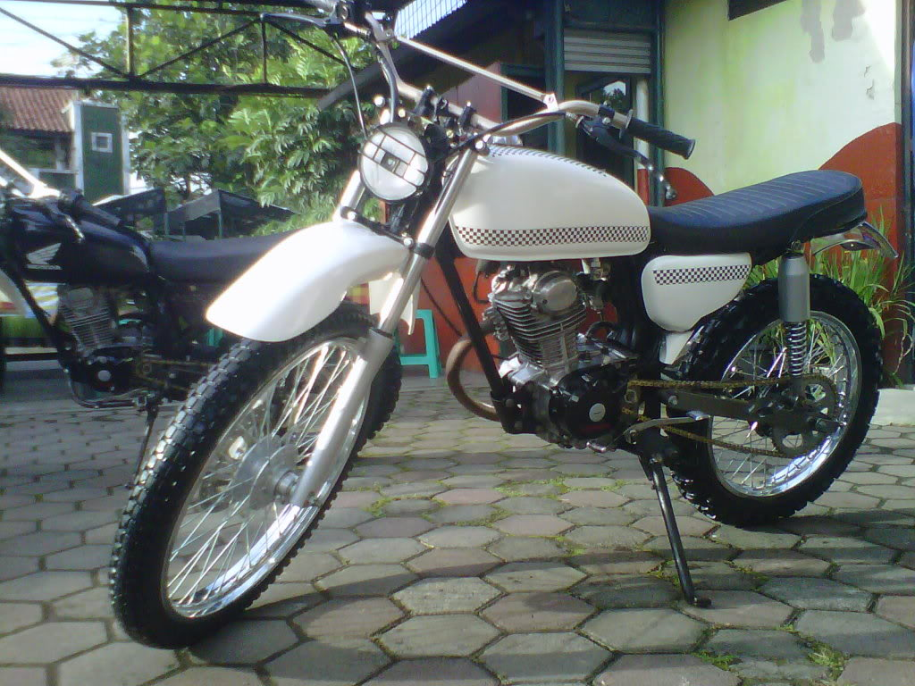 modifikasi trail klasik (retro)