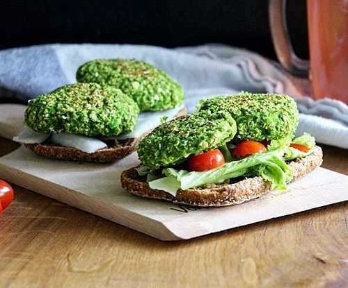 Green Peas and Spinach Veggie Burger (vegan)